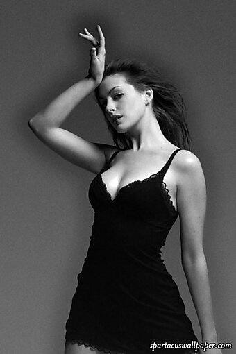 Anne Hathaway IV