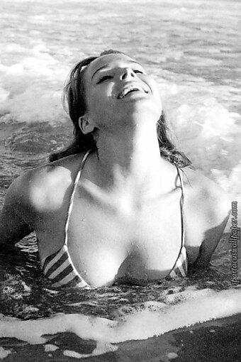 Ursula Andress - 2017