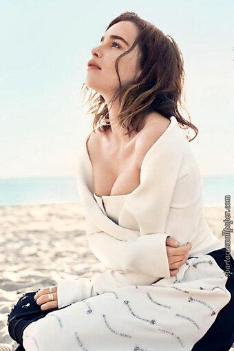 Emilia Clarke XXV