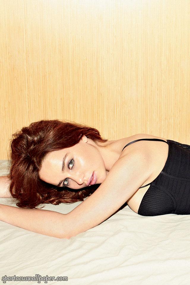 Emilia Clarke XVI
